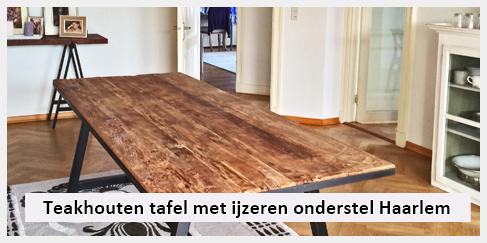 grove houten tafel met ijzer onderstel