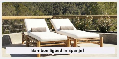 inrichting achtertuin Spanje met ligbed van bamboe