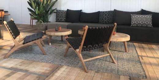 vintage loungestoel bij strandclub witsand in noordwijk