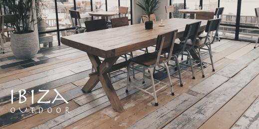 robuuste eetkamertafel bij restaurant Tulum in Noordwijk