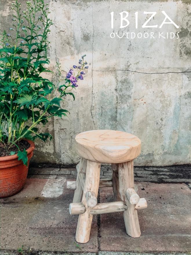 stoer houten kinder krukje