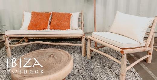 Nieuwe houten loungeset